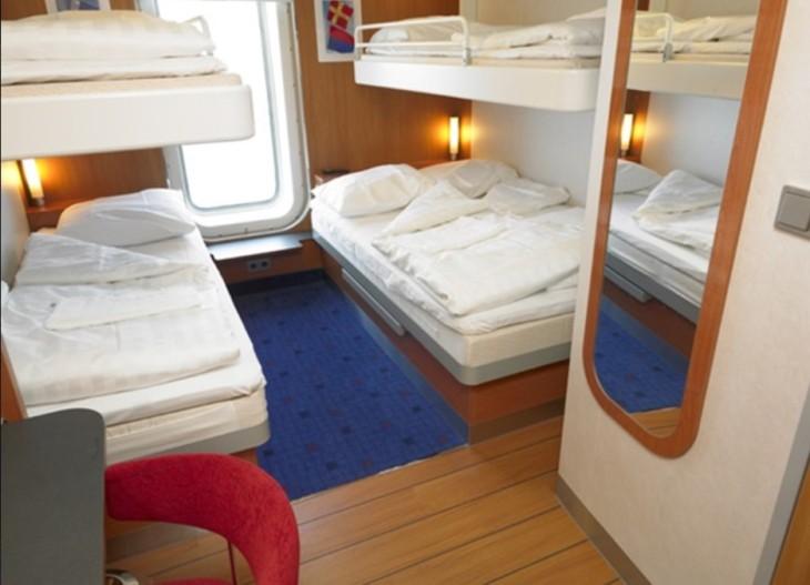 Ferry_cabin